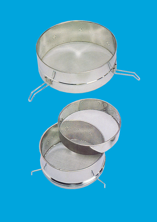 Stainless coarse- and fine strainer