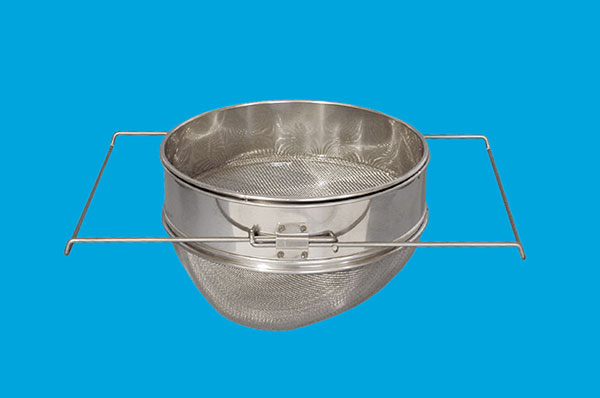 Strainer with coarse and fine strainer