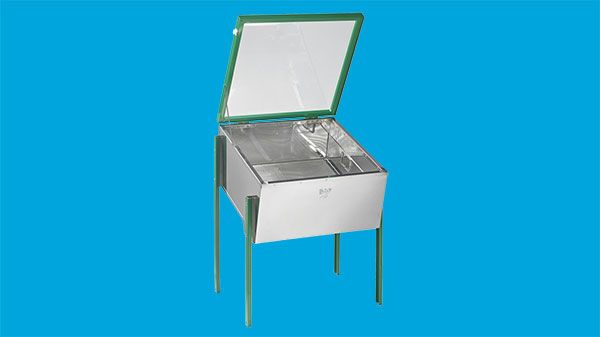 Solar wax extractor with legs